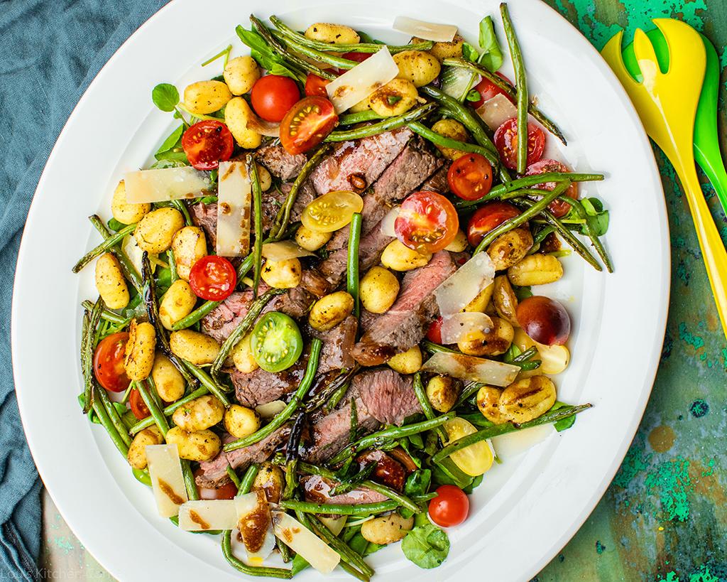 Steak tagliata with green beans & fried gnocchi