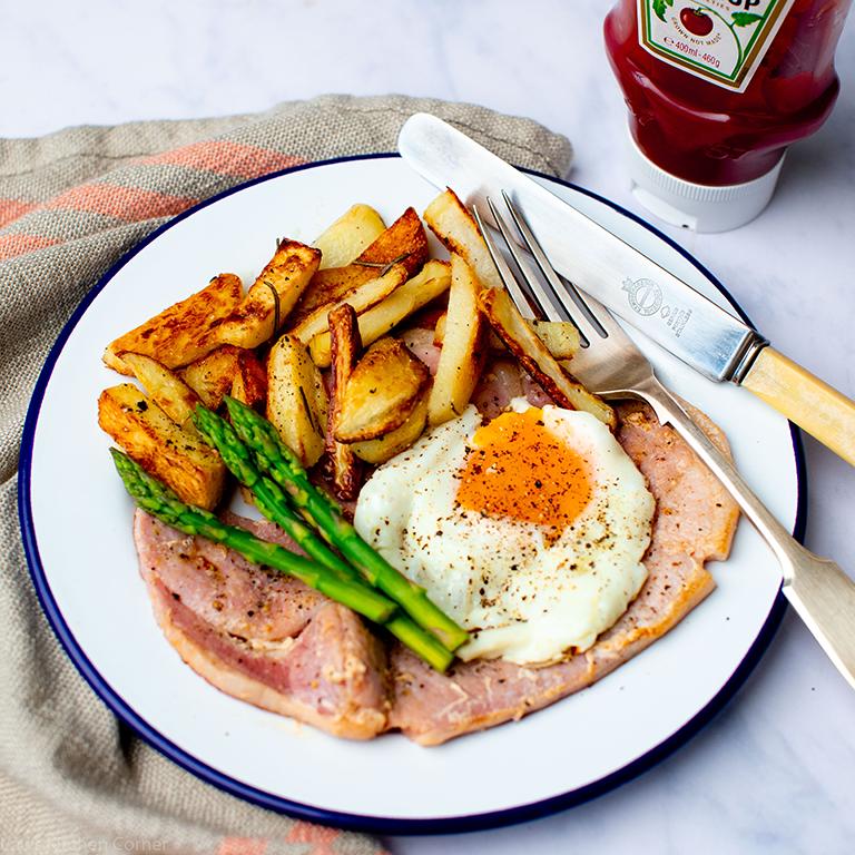 Gammon steak, egg, chips & asparagus